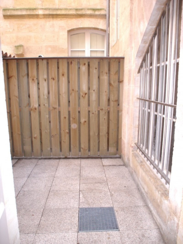 Location appartement Bordeaux 637€cc - Photo 1