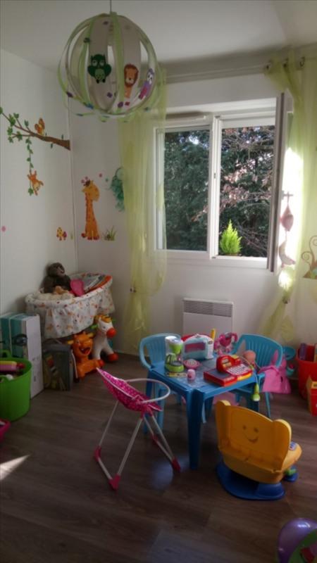 Sale house / villa Soussans 242000€ - Picture 6