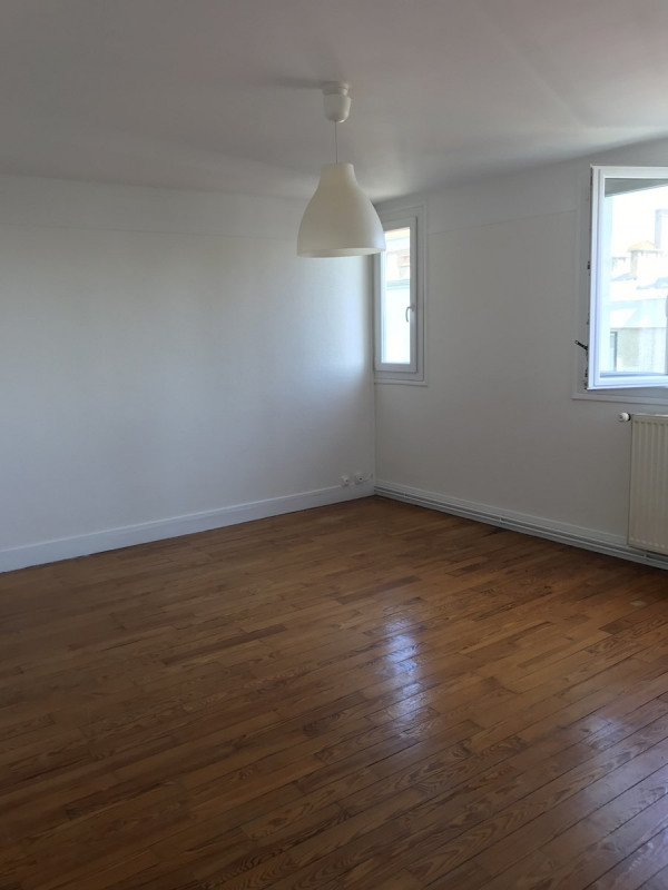 Location appartement Colombes 950€ CC - Photo 2
