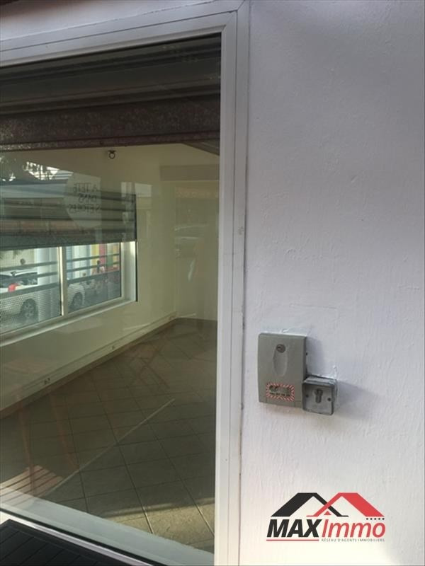 Location local commercial St gilles les bains 1 390€ HT/HC - Photo 2
