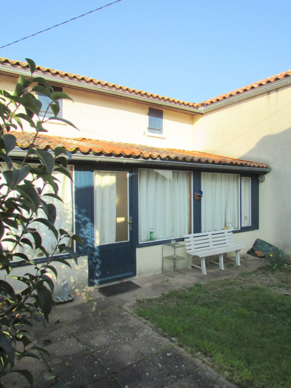Sale house / villa Aigre 66 000€ - Picture 2
