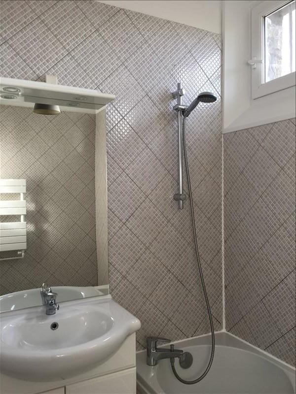 Rental apartment Courbevoie 850€ CC - Picture 5