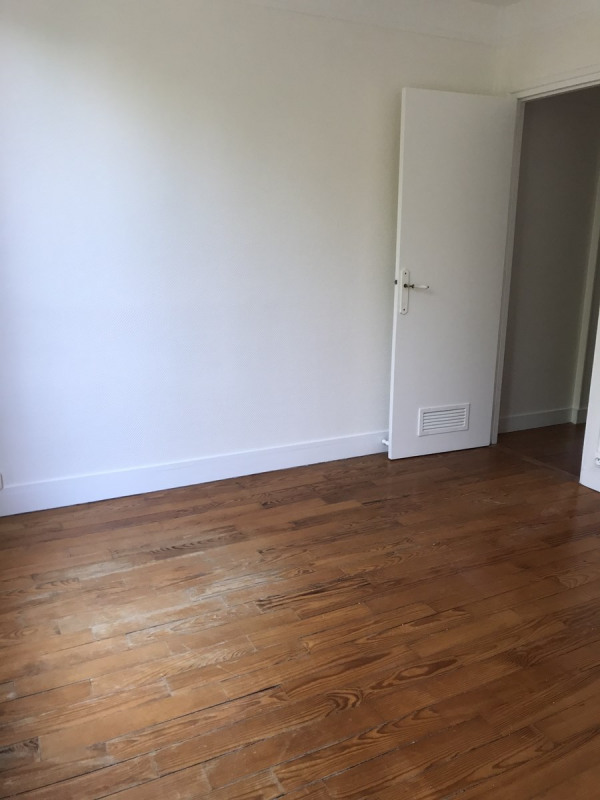 Location appartement Colombes 950€ CC - Photo 4