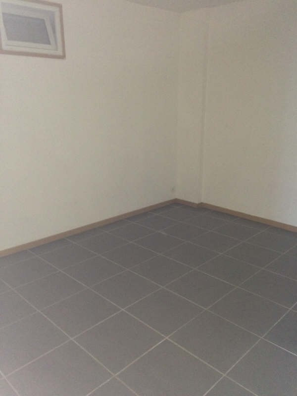 Rental apartment Guerigny 380€ CC - Picture 3