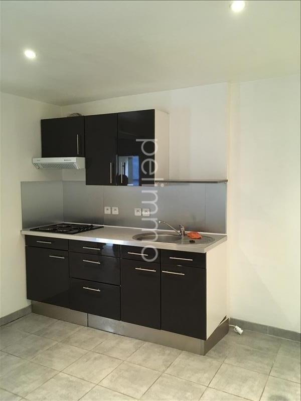 Rental apartment Eyguieres 451€ CC - Picture 2
