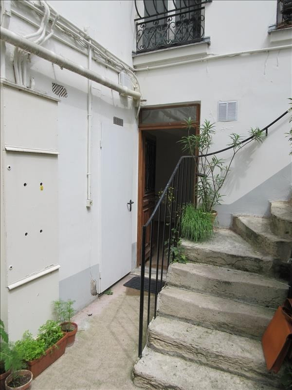 Sale apartment Paris 18ème 128 118€ - Picture 1