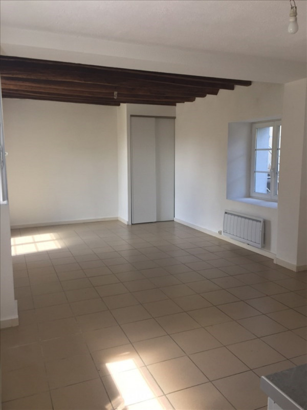 Location appartement Sermaise 595€ CC - Photo 3