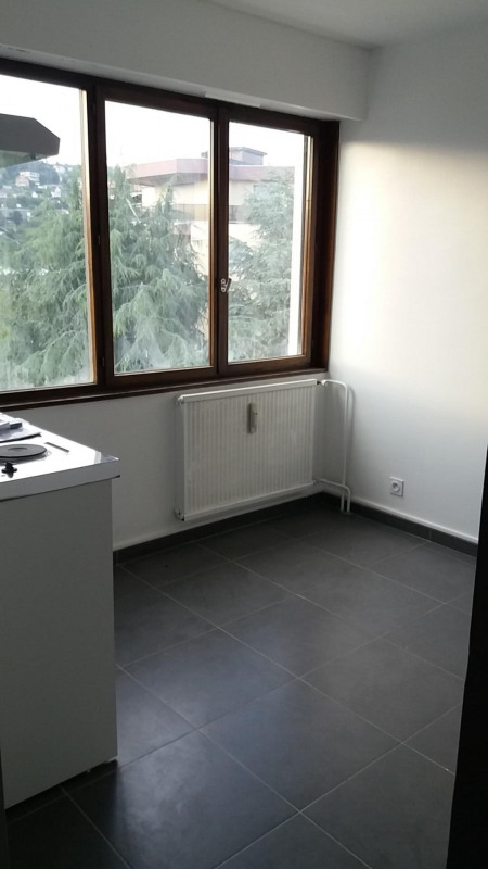 Rental apartment Chambéry 440€ CC - Picture 3
