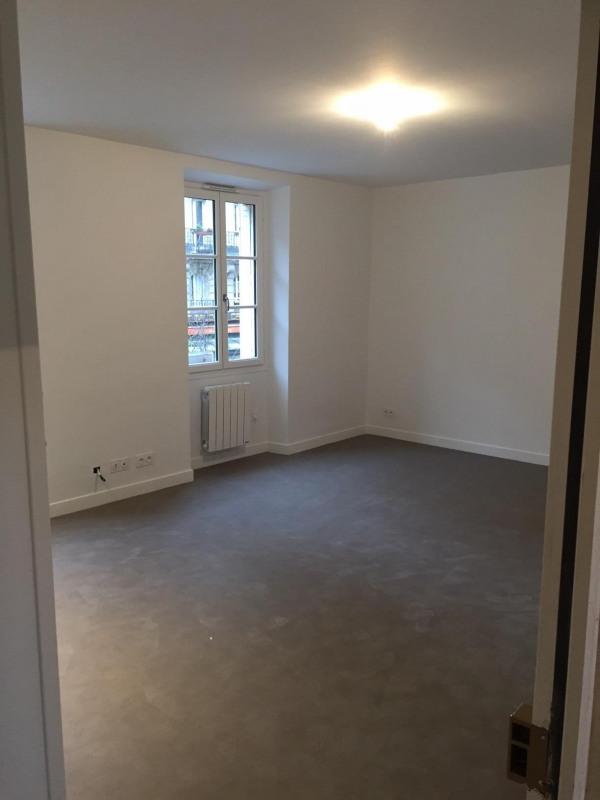 Location appartement Paris 19ème 960€ CC - Photo 2
