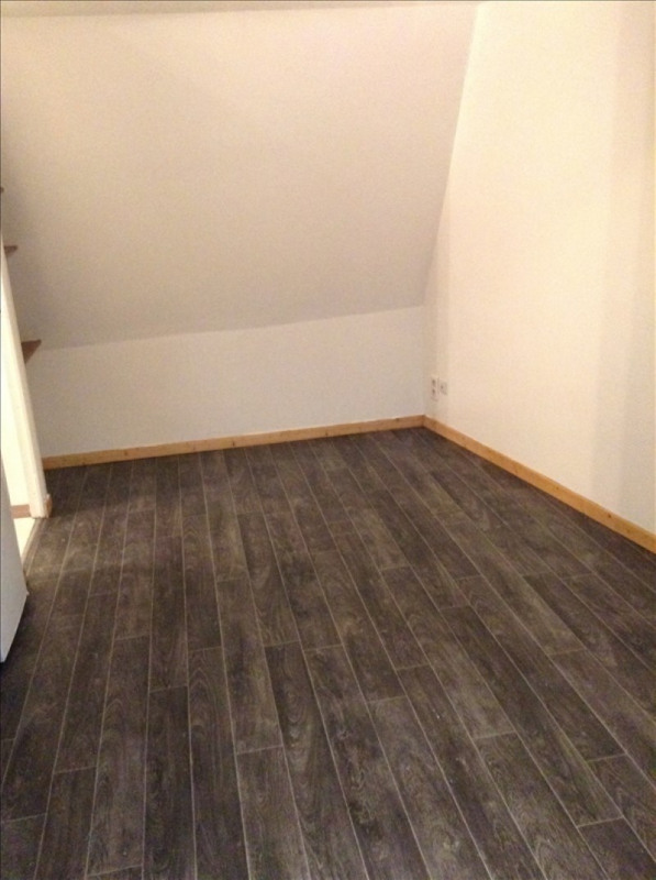 Rental apartment St quentin 335€ CC - Picture 1