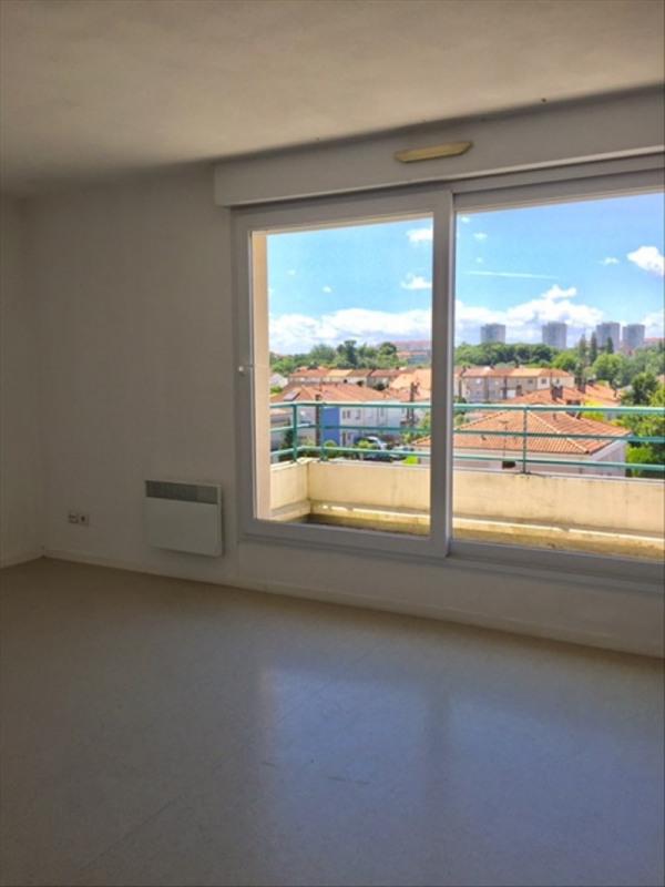 Location appartement Niort 418€ CC - Photo 1
