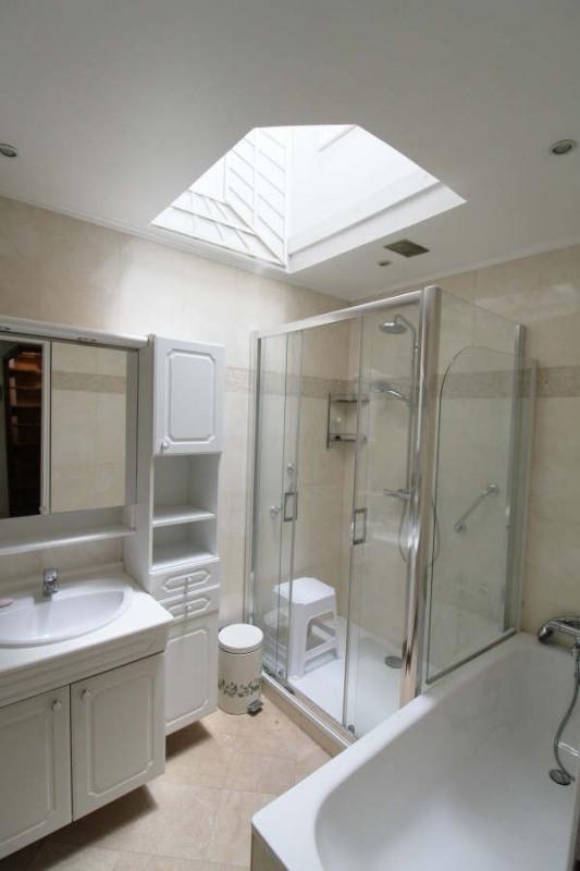 Sale house / villa Maurepas 345000€ - Picture 6