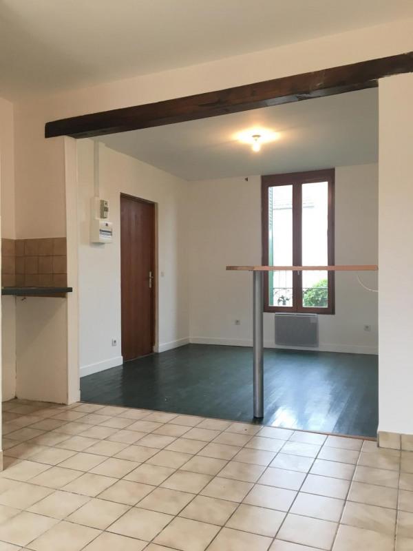 Rental apartment Pierrelaye 515€ CC - Picture 1