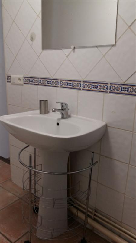 Rental apartment Aix en provence 870€ CC - Picture 4
