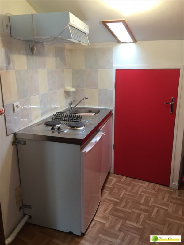 Location appartement Angouleme 250€ CC - Photo 1