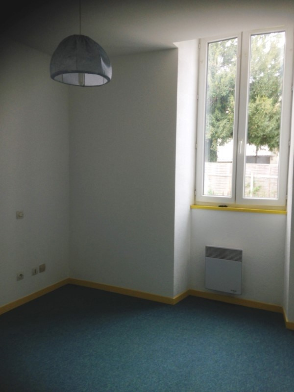 Location appartement Archiac 450€ CC - Photo 3