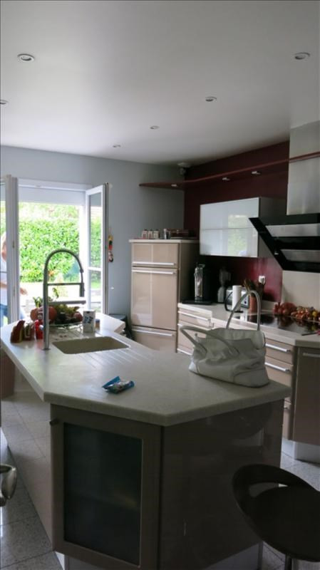 Sale house / villa St germain sur morin 572 000€ - Picture 3