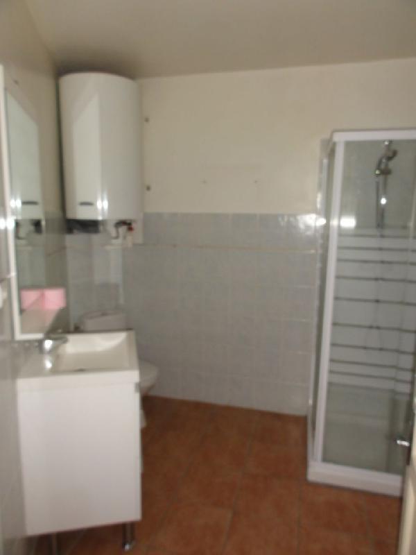 Location appartement Le beausset 820€ CC - Photo 4