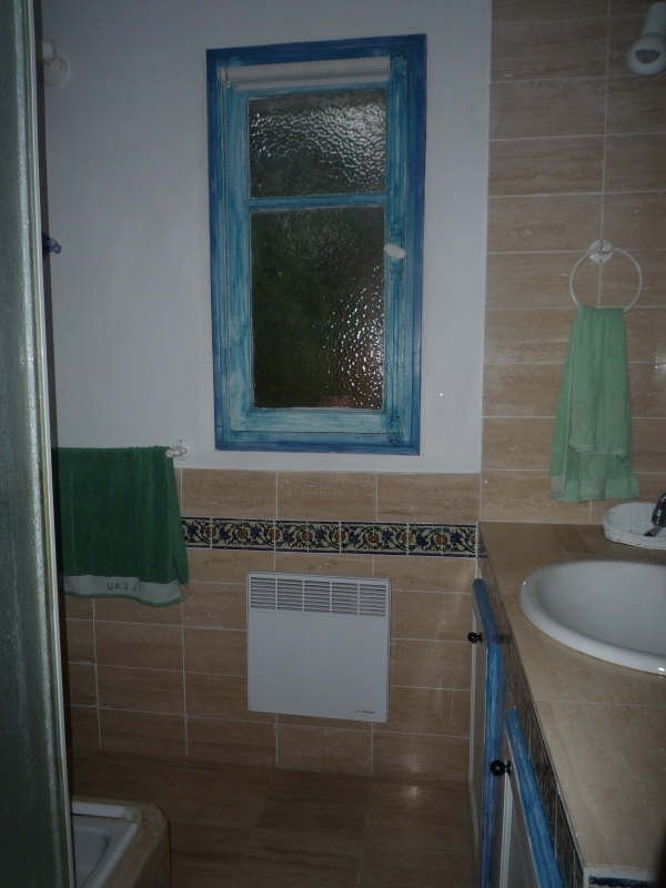 Location maison / villa Aix en provence 505€ CC - Photo 4