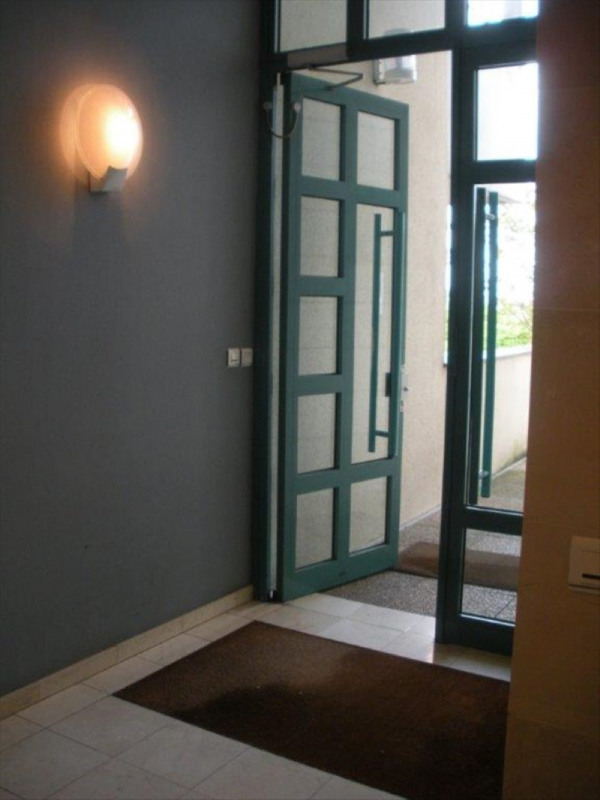 Rental apartment Nanterre 935€ CC - Picture 2