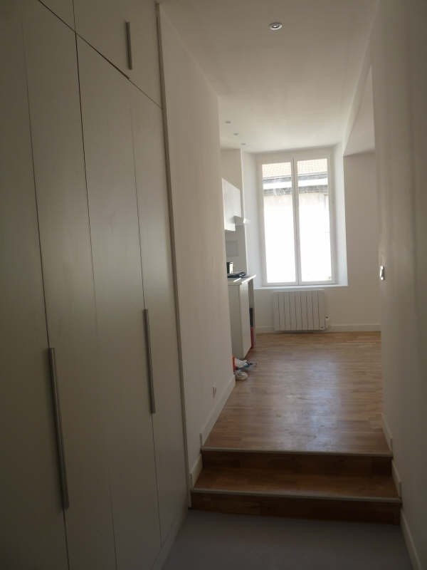 Location appartement Lyon 2ème 690€ CC - Photo 7