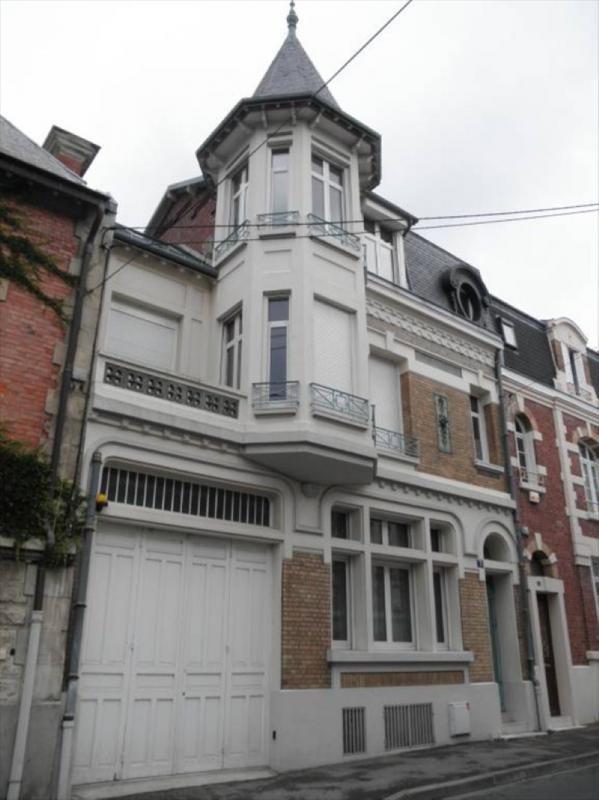 Sale house / villa St quentin 451000€ - Picture 1