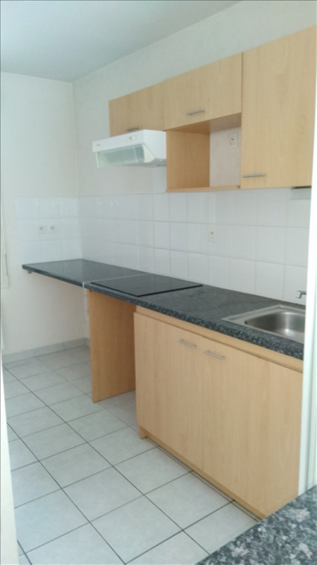 Rental apartment Vendome 574€ CC - Picture 3