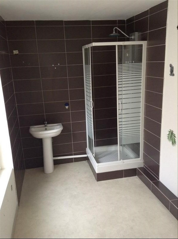 Rental apartment St quentin 370€ CC - Picture 3