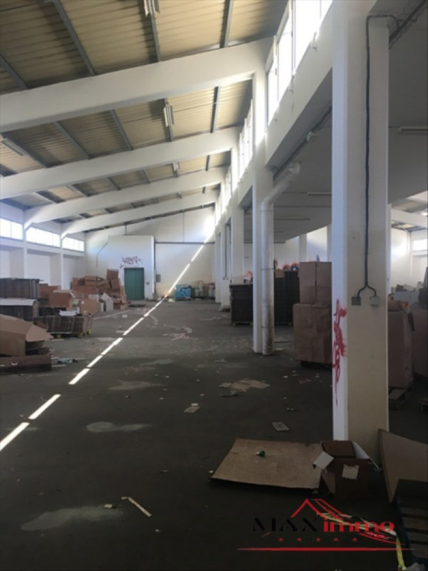 Location local commercial St pierre 10000€ HT/HC - Photo 2