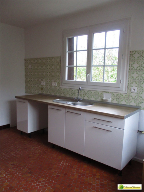 Rental house / villa Angouleme 720€ CC - Picture 2
