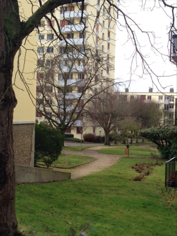 Investment property apartment Poissy 160000€ - Picture 2