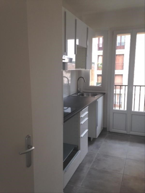 Rental apartment Aix en provence 1 100€ CC - Picture 2