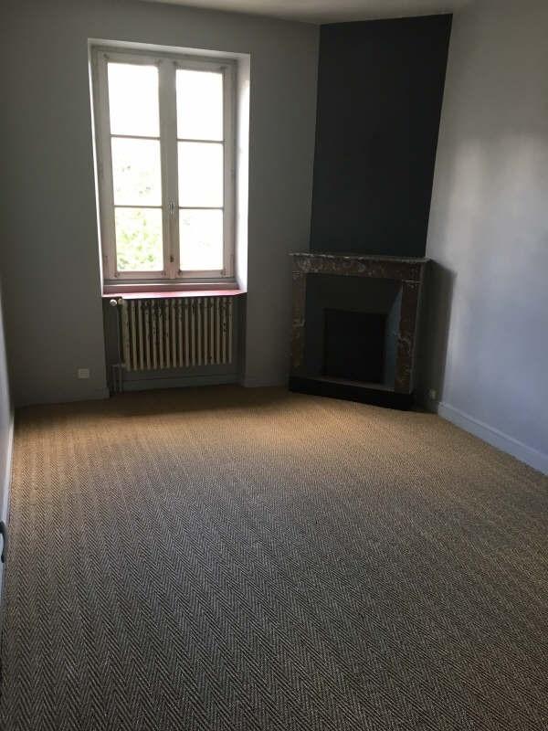 Rental house / villa Liguge 657€ CC - Picture 4