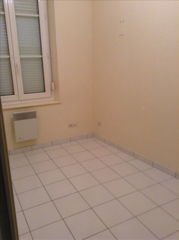 Location appartement St quentin 320€ CC - Photo 3