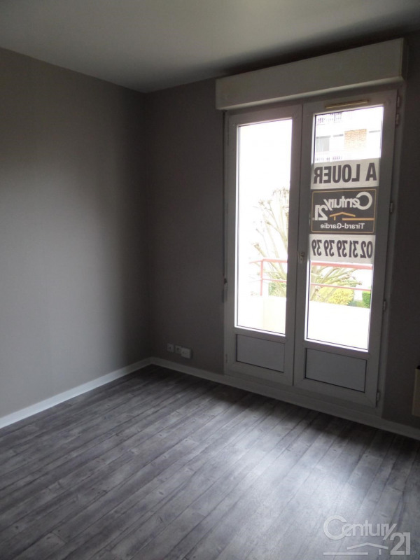 Location appartement 14 320€ CC - Photo 1