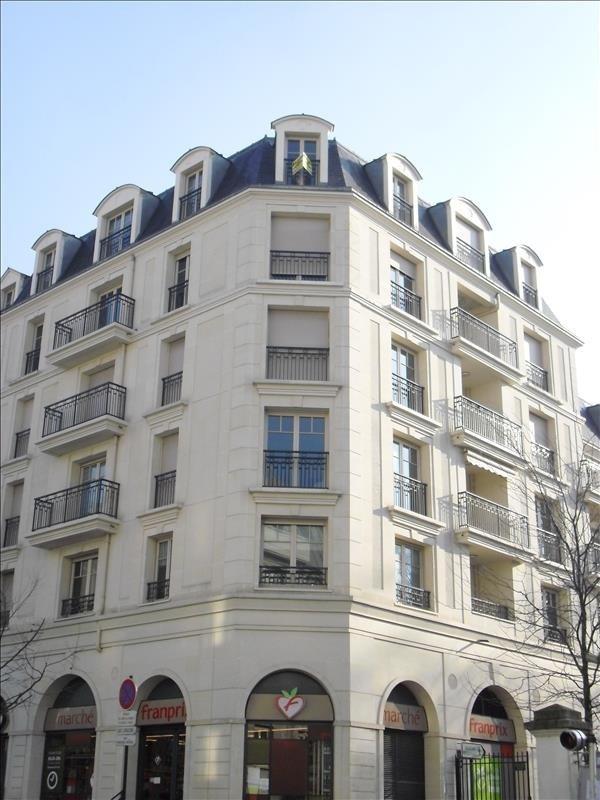 Rental apartment Le raincy 1230€ CC - Picture 1