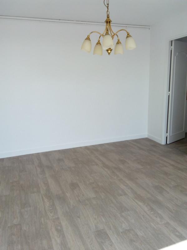 Rental apartment Eaubonne 795€ CC - Picture 2