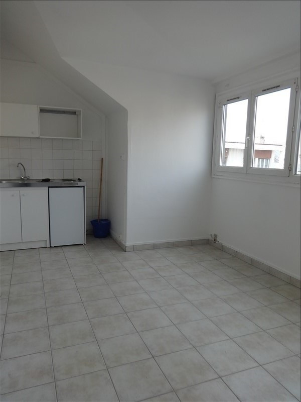 Rental apartment Vernon 320€ CC - Picture 1
