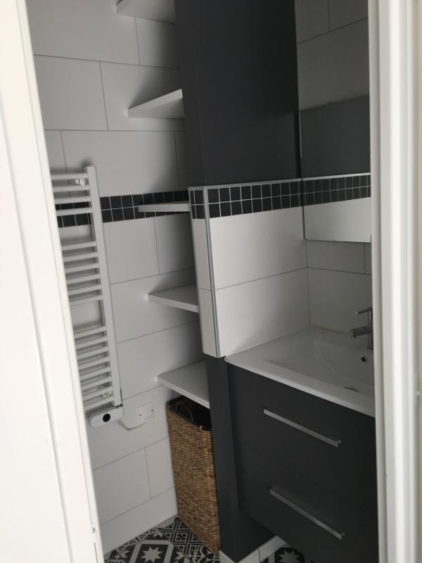 Affitto appartamento Ecully 700€ CC - Fotografia 6