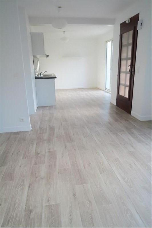 Rental apartment Ste genevieve des bois 975€ CC - Picture 5