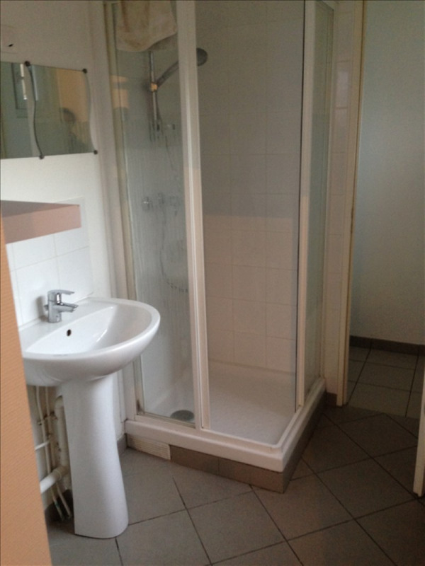 Location maison / villa St quentin 450€ CC - Photo 3