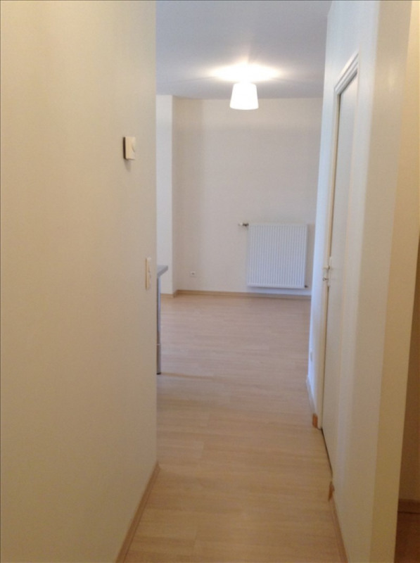 Location appartement St quentin 730€ CC - Photo 3