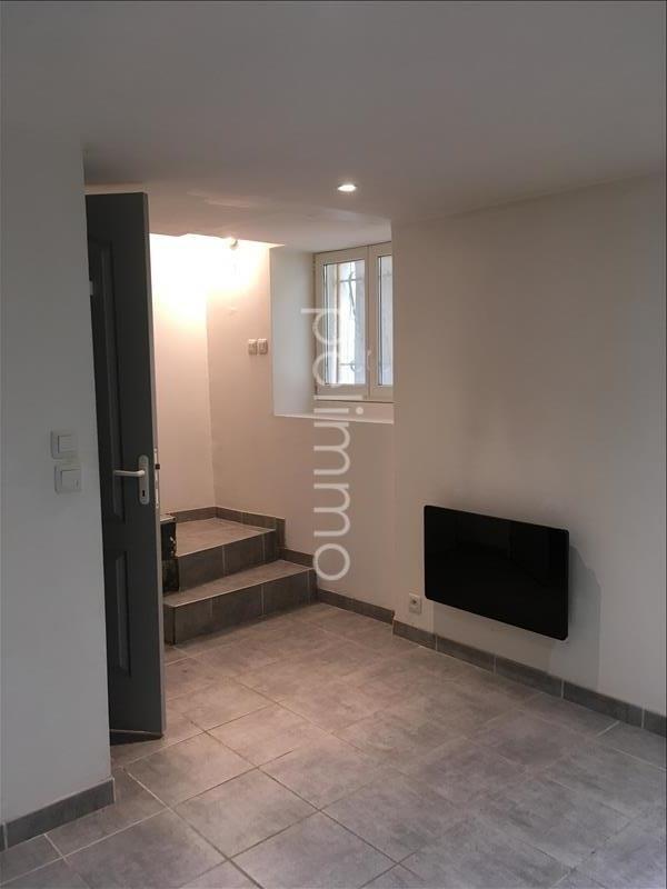 Rental apartment Eyguieres 451€ CC - Picture 3