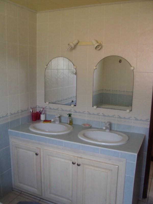 Rental house / villa Les trois mares 900€ +CH - Picture 8