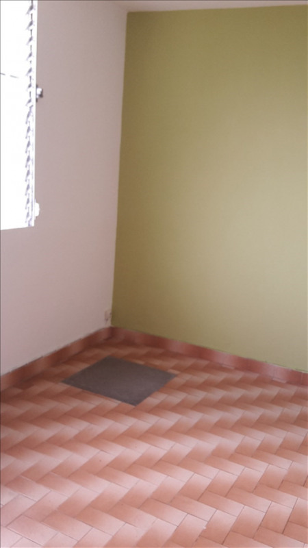 Rental house / villa Ste anne 650€ +CH - Picture 3