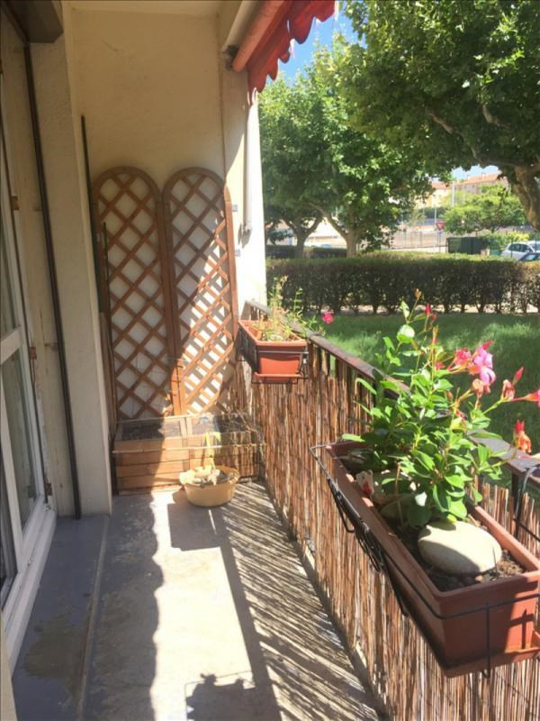 Sale apartment Salon de provence 120 000€ - Picture 1