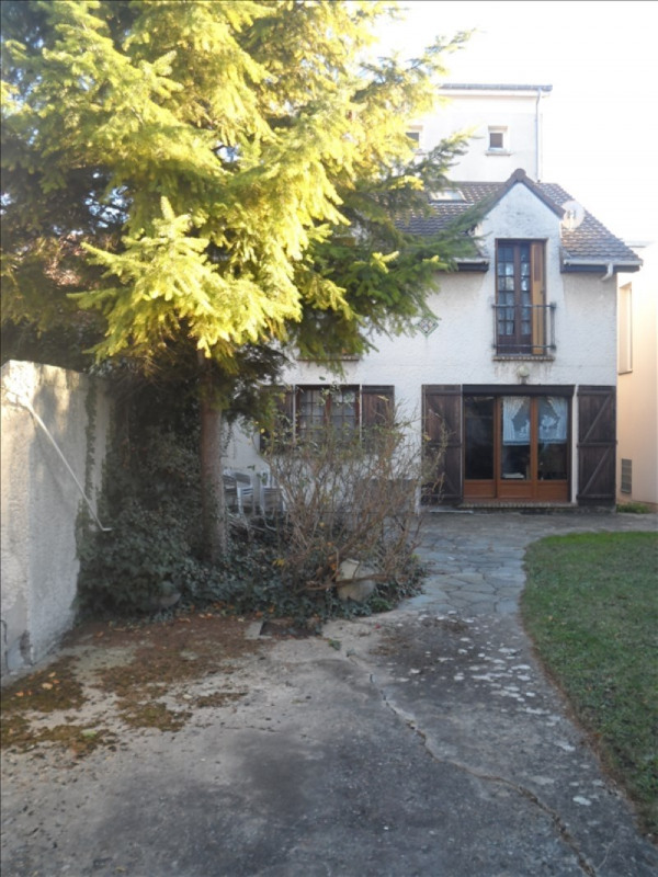 Sale house / villa Suresnes 940 000€ - Picture 1