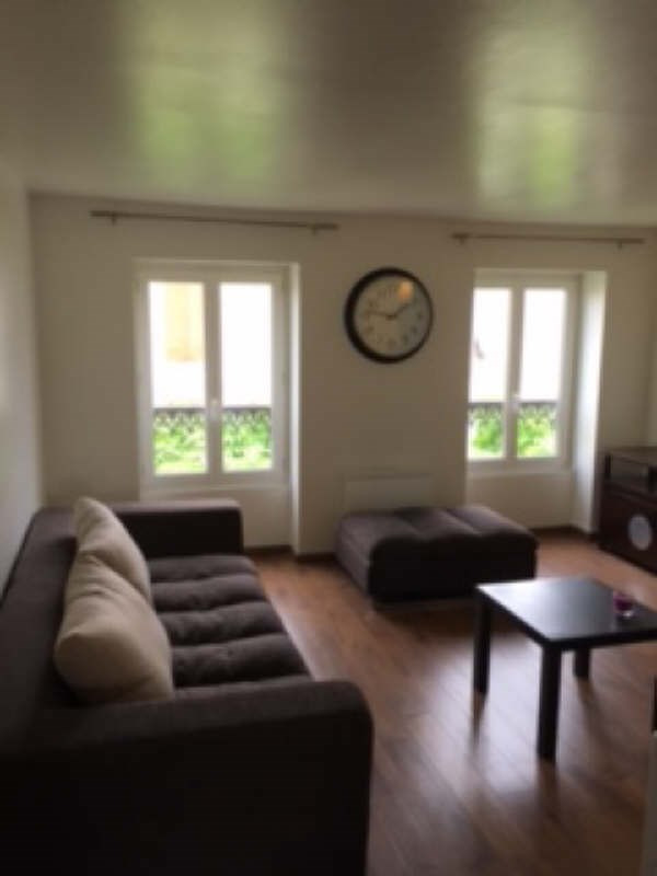 Sale apartment La garenne colombes 210 000€ - Picture 2