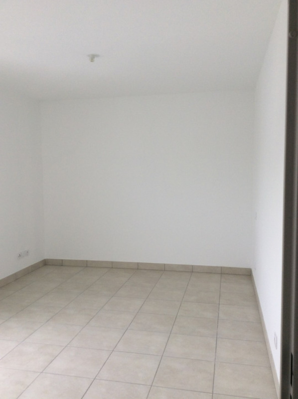 Location appartement Fréjus 790€ CC - Photo 4