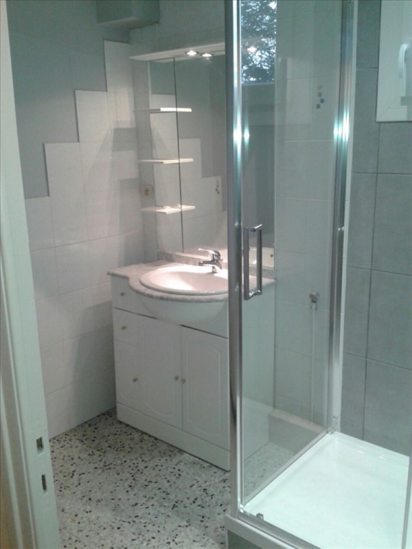 Location appartement Le coteau 600€ CC - Photo 2